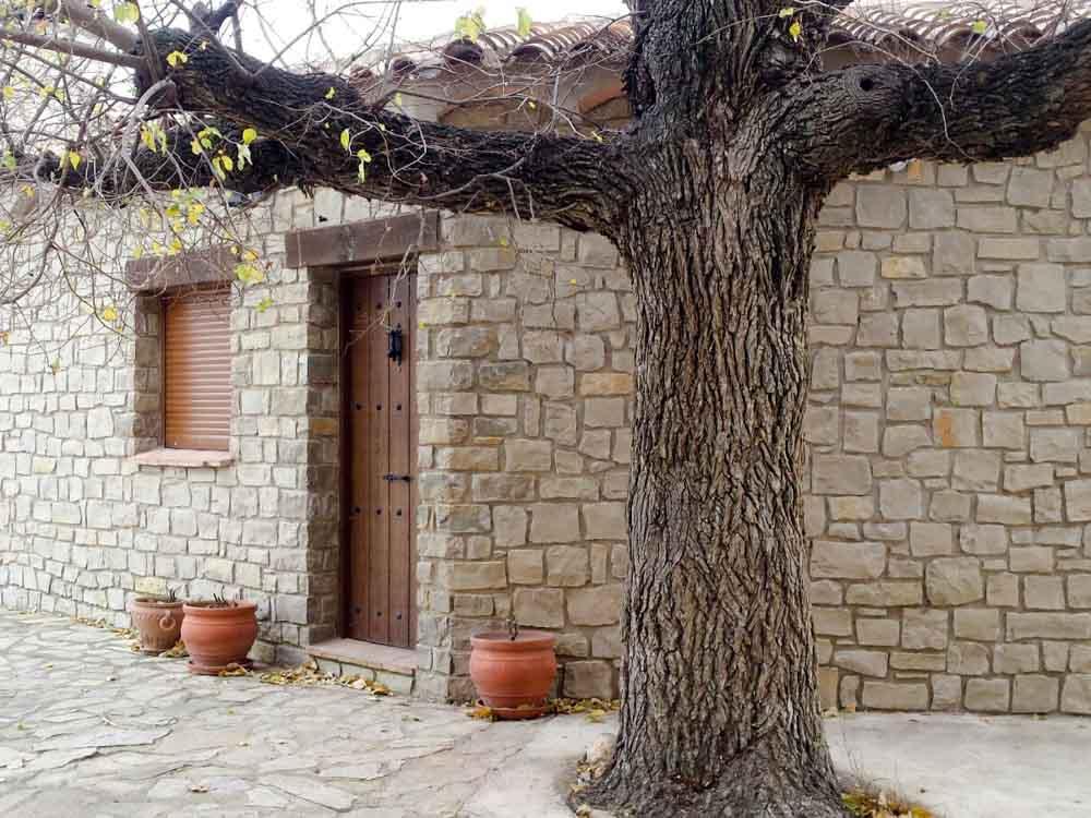 Casa de l'Om de Mas de la Segarra casa rural para 6 personas.